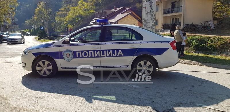 UHAPŠEN MALOLETNIK KOJI JE NOŽEM NAPAO POLICIJSKOG SLUŽBENIKA