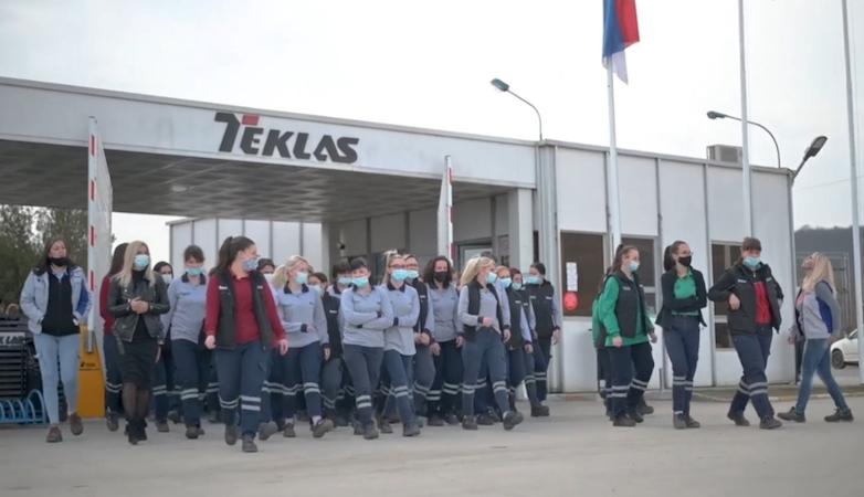 """Vučić – """"Teklas"""" će sutra zaposliti 250 radnika iz """"Geoksa"""", orden RS za direktora kompanije"""